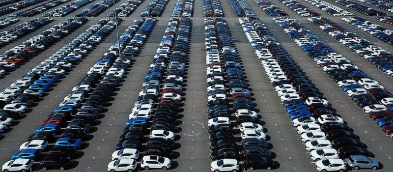 ST PETERSBURG, RUSSIA - AUGUST 16, 2019: An aerial view of cars parked by the Nissan plant in Pargolovo. Peter Kovalev/TASS  îññèß. 'àíêò-åòåðáóðã. 'èä ñâåðõó íà àâòîìîáèëè íà òåððèòîðèè çàâîäà Nissan ⠏àðãîëîâî. åòð Šîâàëåâ/'€''